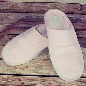 Pink charter club comfy slippers XL